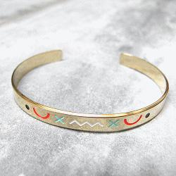 Anne Thomas bracelet Isis folk graphique