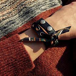 Annee bracelet double cuir noir et soie kaki