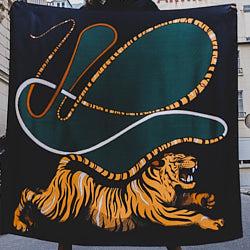 Annee carre de soie Tigre 110cm kaki
