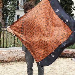 Année carré de soie homme Tapis Volant 110cm marron