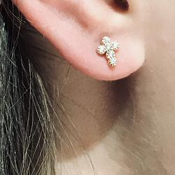 Bali Temples BO stud Croix pure laiton plaqué or strass clear
