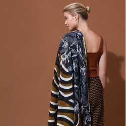 Ma Poesie foulard laine graphique kaki Marquises