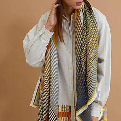 Ma Poesie foulard crepe de soie Vibrant souffre