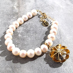 Medecine Douce bracelet Verone perle nacre dore