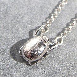 Orner collier Mini Scarab�e argent 925