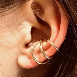 Saskia Diez Wire earcuff triple argent plaque or