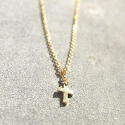Tassia Canellis collier croix dore Chick