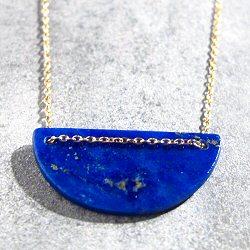 Trois Petits Points collier Moon Lapis (bleu) laiton doré