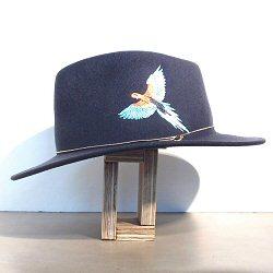 Van Palma chapeau brodé perroquet Dakota gris