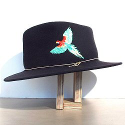 Van Palma chapeau brode perroquet Dakota noir
