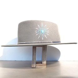 Van Palma chapeau brodé Oeil Léonard taupe